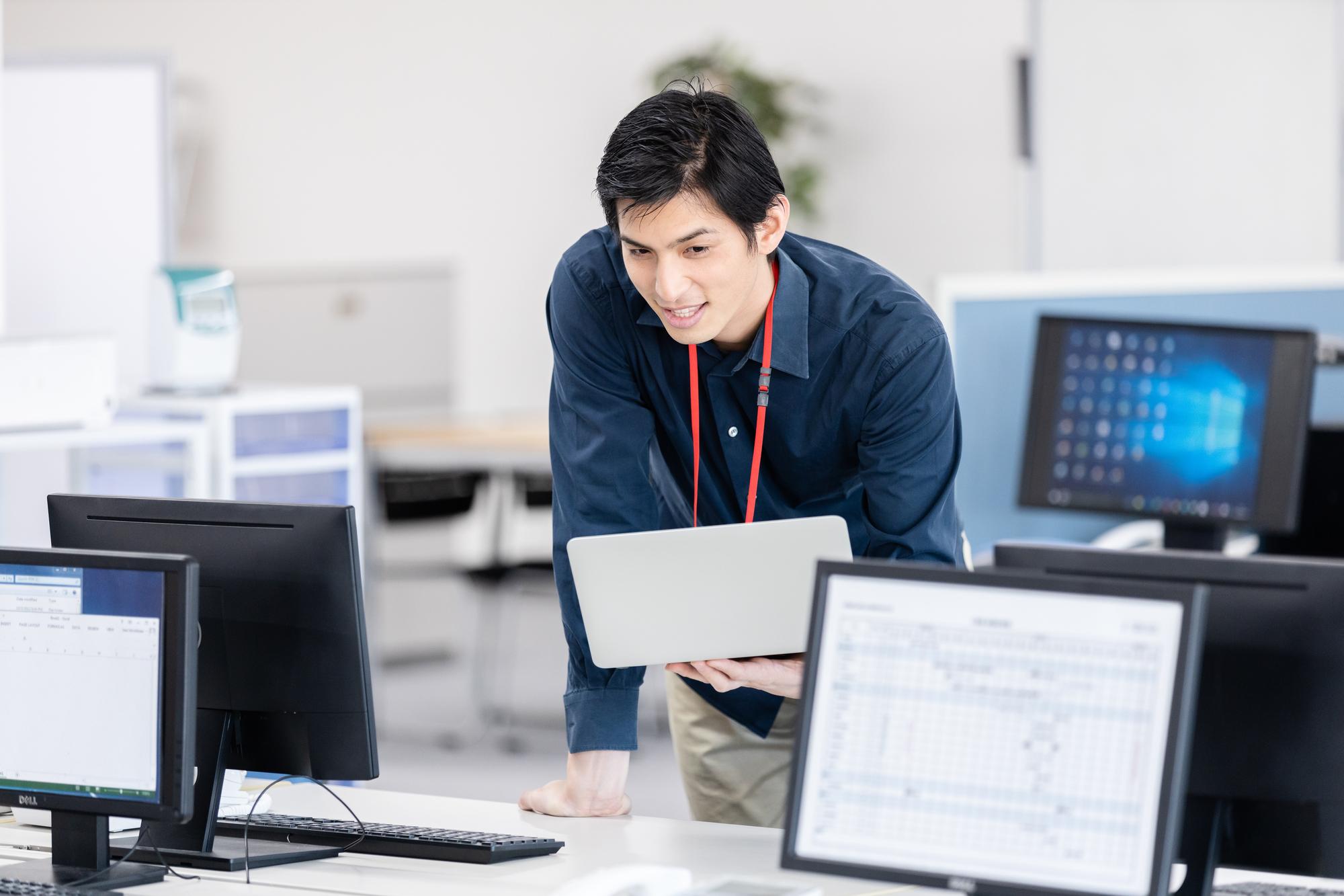 システムエンジニアになりたい!必要なスキルや転職方法を解説!