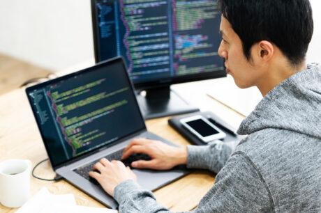 ネットワークエンジニアとサーバーエンジニアの違いとは? インフラエンジニアへの転職方法も解説