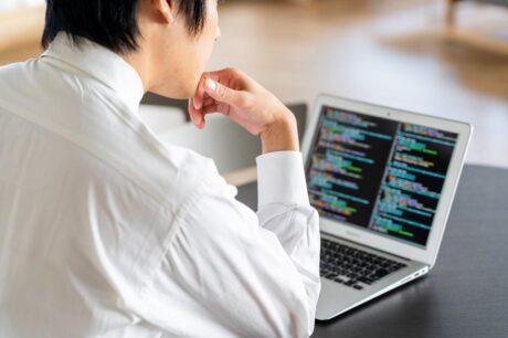 プログラマーの仕事はなくなる?将来的なリスクと対策方法を解明!